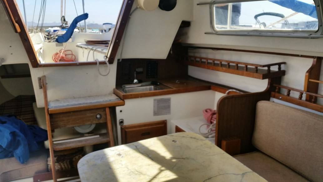 Catalina 22 Sailboat on sale - Tiller & Kites